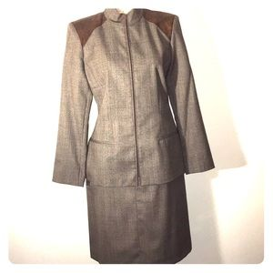 Gorgeous Wool Suit. Blazer Sz 10. Skirt Sz 8